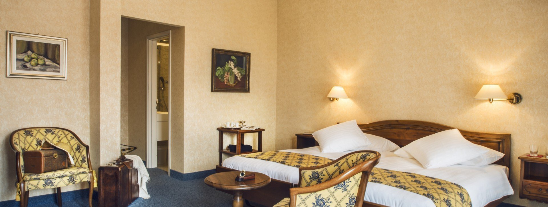Spacious Double Superior room of the International au Lac Historic Lakeside Hotel