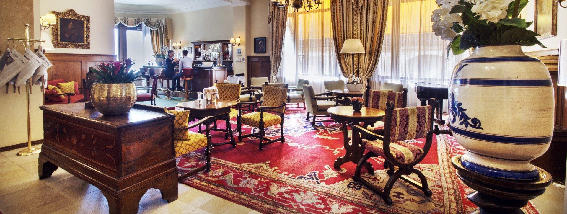 Tapis Salon Couleur Rouille l'ancien tapis persan du salon de l'hôtel » hotel